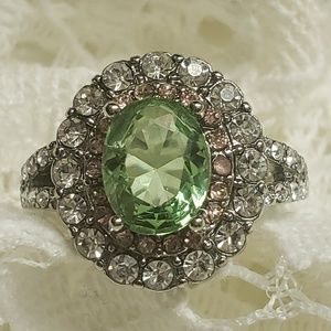 New Silver Ring 💚Green Oval w/Pink💗 Accents  s7